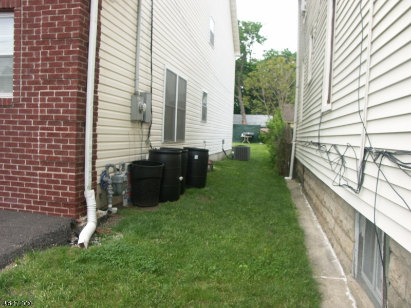 Additional photo for property listing at 473 Alden Street  Orange, New Jersey 07050 United States