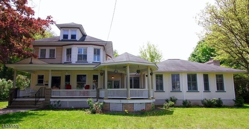 Частный односемейный дом для того Аренда на 245 E Main Street Rockaway, 07866 Соединенные Штаты
