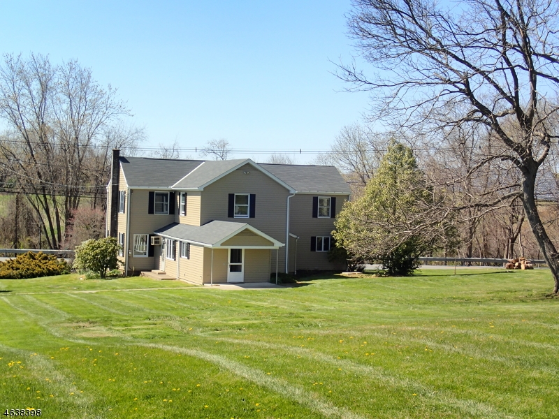 Additional photo for property listing at 461 County Road 519  Stewartsville, New Jersey 08886 États-Unis