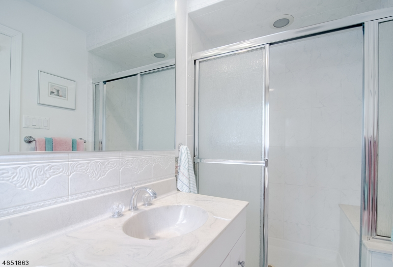 Additional photo for property listing at 101 Glenside Road  New Providence, New Jersey 07974 États-Unis