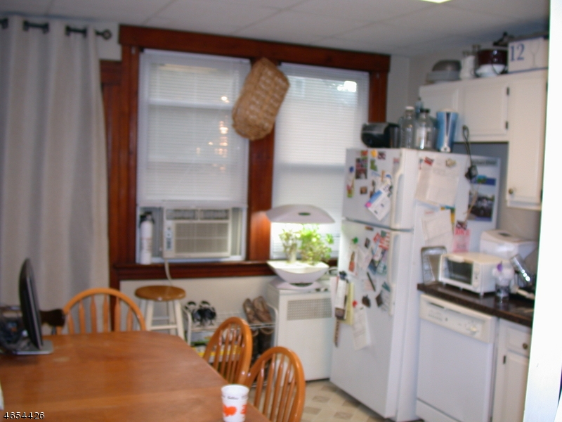 Additional photo for property listing at 83 Myrtle Avenue  Nutley, Нью-Джерси 07110 Соединенные Штаты