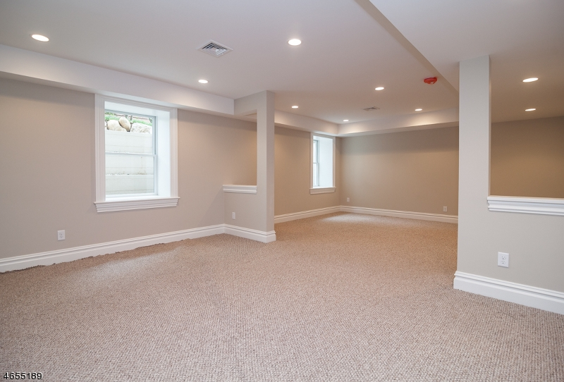 Additional photo for property listing at 39 Noe Avenue  Madison, New Jersey 07940 United States