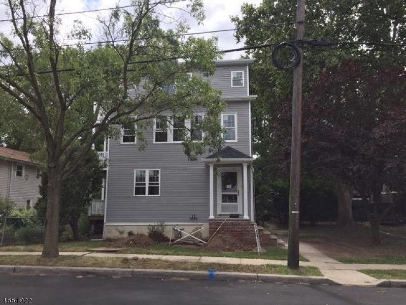 Additional photo for property listing at 131 Willow Ave 1  Garwood, New Jersey 07027 États-Unis