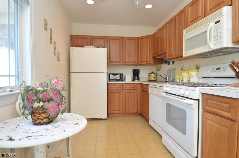 Additional photo for property listing at 24 Wilshire Ter  Butler, New Jersey 07405 United States
