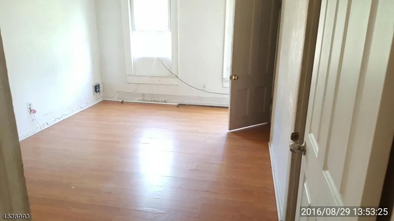 Additional photo for property listing at 1088 Arlington Avenue  Plainfield, New Jersey 07060 États-Unis