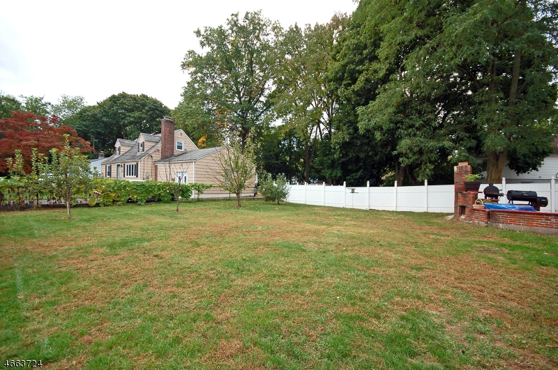 Additional photo for property listing at 1724 Front Street  Scotch Plains, Nueva Jersey 07076 Estados Unidos