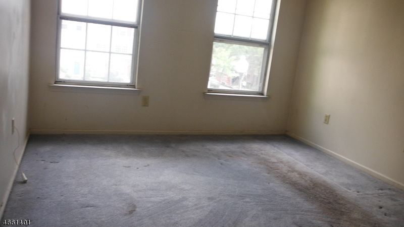 Additional photo for property listing at 16 Howard Court  Newark, New Jersey 07103 États-Unis