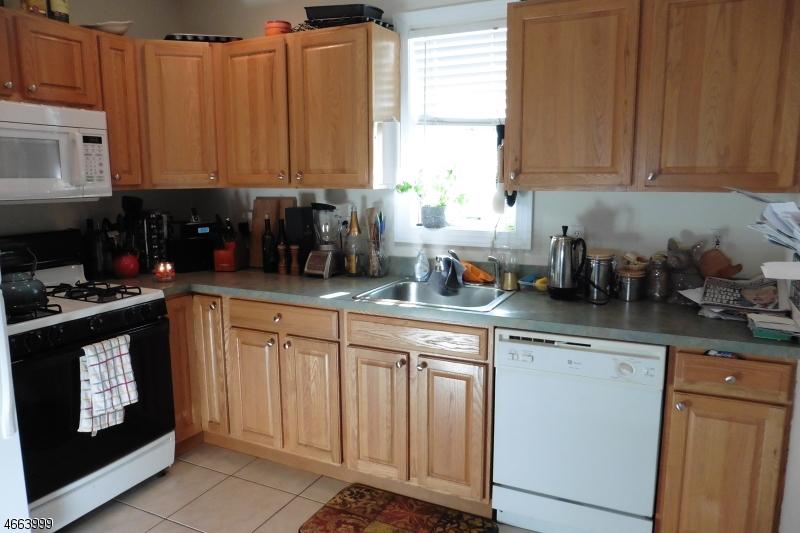 Additional photo for property listing at 17 Burnside Avenue  克兰弗德, 新泽西州 07016 美国