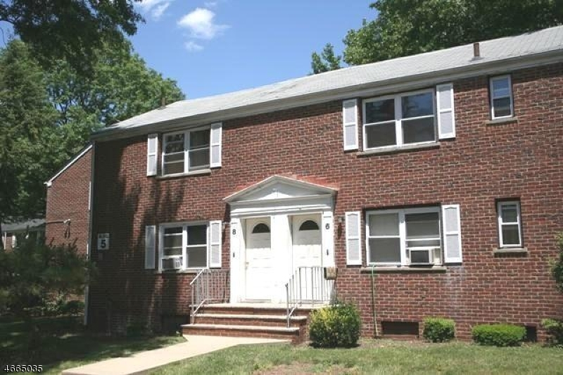 Maison unifamiliale pour l à louer à 8B CAROLYN TER Roselle, New Jersey 07203 États-Unis