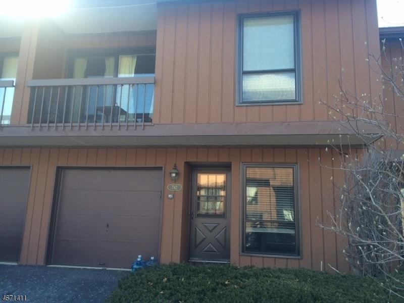 Casa Unifamiliar por un Alquiler en 742 Upperway Wharton, Nueva Jersey 07885 Estados Unidos