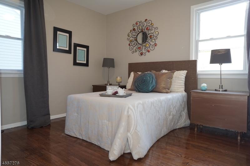 Additional photo for property listing at 1140-1142 APPLEGATE Avenue  Elizabeth, New Jersey 07202 États-Unis