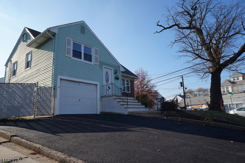 Additional photo for property listing at 1140-1142 APPLEGATE Avenue  Elizabeth, New Jersey 07202 United States