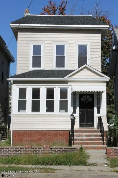 Single Family Home for Sale at 207 Laurel Avenue Kearny, 07032 United States