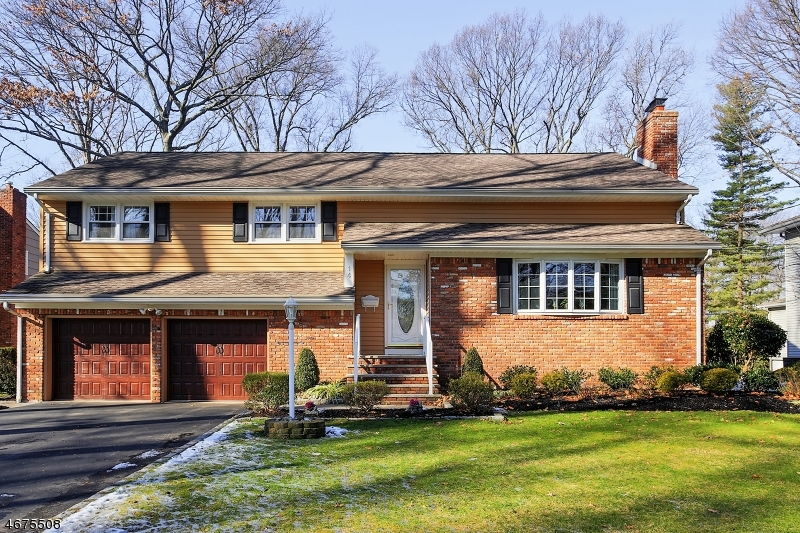 Single Family Home for Sale at 14 Ramsgate Road Cranford, 07016 United States