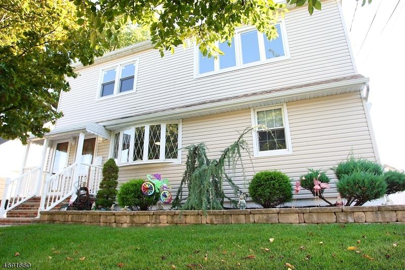 Многосемейный дом для того Продажа на 12 Rector Place Bloomfield, Нью-Джерси 07003 Соединенные Штаты