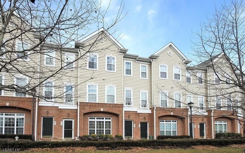 Частный односемейный дом для того Аренда на 513 DE LUCA Road Belleville, Нью-Джерси 07109 Соединенные Штаты