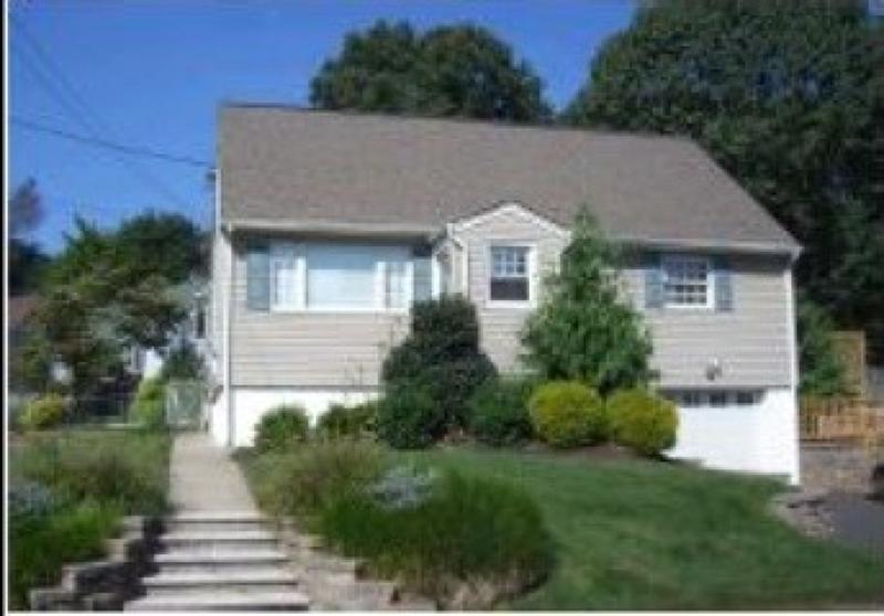 独户住宅 为 出租 在 55 Merkel Drive 布鲁姆菲尔德, 新泽西州 07003 美国