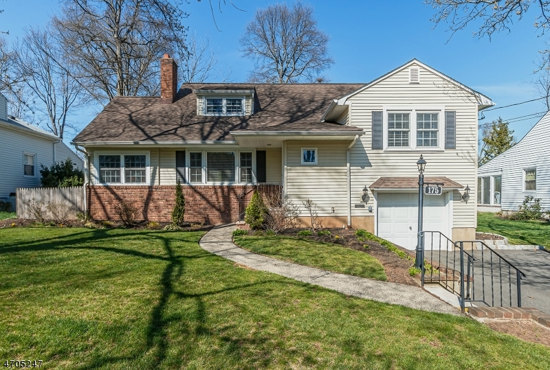 Single Family Home for Sale at 175 Helen Street Fanwood, 07023 United States
