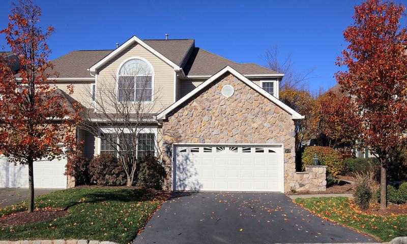 Частный односемейный дом для того Аренда на 23 Pine Valley Road Livingston, Нью-Джерси 07039 Соединенные Штаты