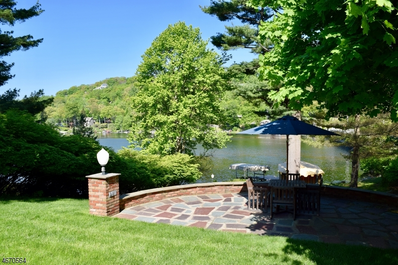Additional photo for property listing at 28 Island Trail  Sparta, Nueva Jersey 07871 Estados Unidos