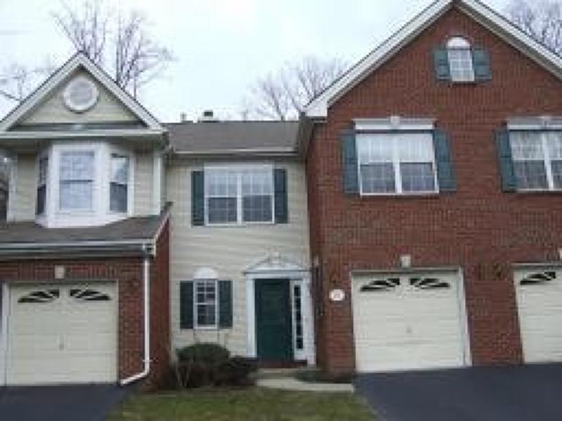 Maison unifamiliale pour l à louer à 171 Sapphire Lane Franklin, New Jersey 08823 États-Unis