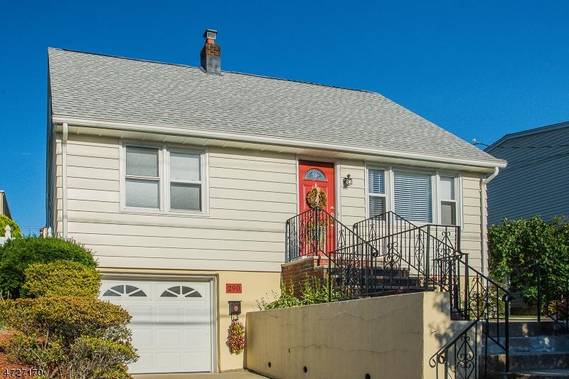 Частный односемейный дом для того Продажа на 290 Malcolm Avenue Garfield, Нью-Джерси 07026 Соединенные Штаты