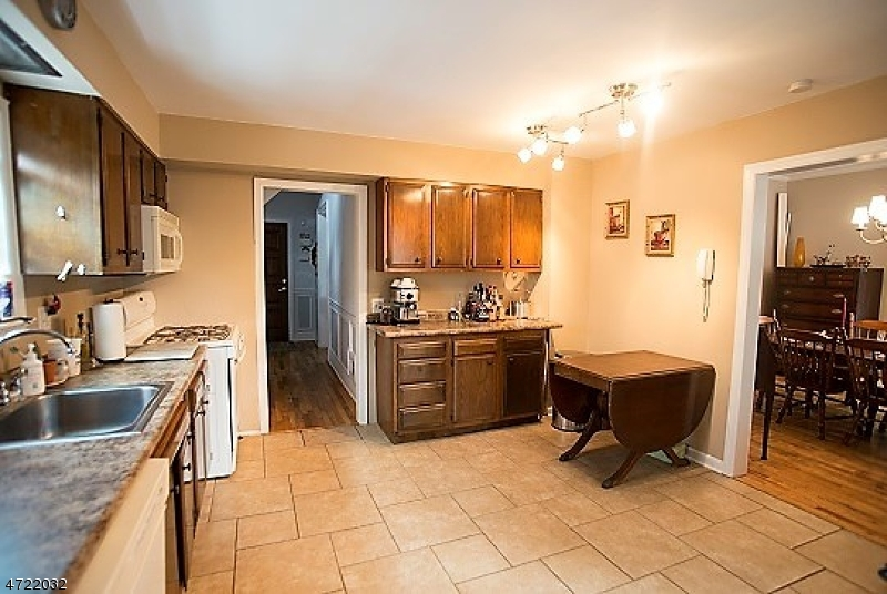 Additional photo for property listing at 27 Eastern Avenue  Somerville, New Jersey 08876 Stati Uniti