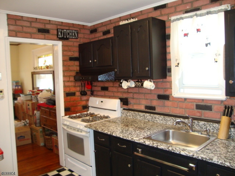Additional photo for property listing at 48 Shaler Avenue  Fairview, Нью-Джерси 07022 Соединенные Штаты