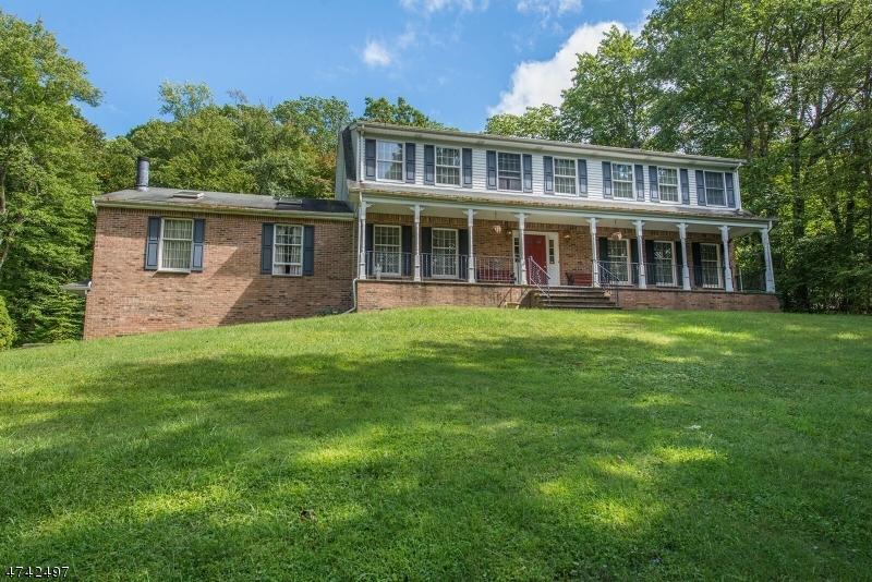 独户住宅 为 销售 在 330 Morsetown Road 西米尔福德, 新泽西州 07480 美国