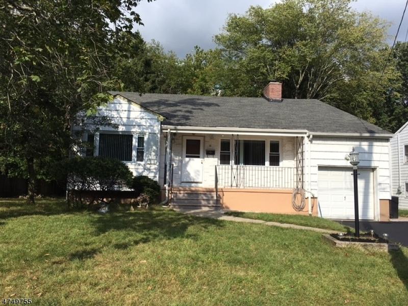Casa Unifamiliar por un Alquiler en 10 Nomahegan Court Cranford, Nueva Jersey 07016 Estados Unidos