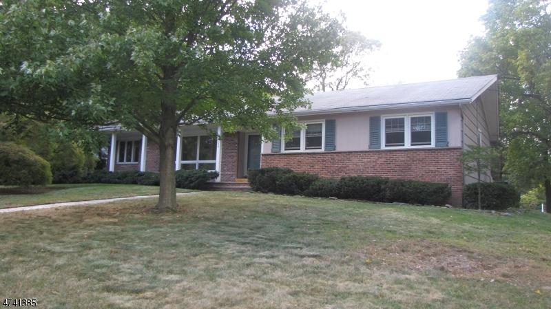 独户住宅 为 出租 在 544 Park Street 蒙特克莱尔, 新泽西州 07043 美国