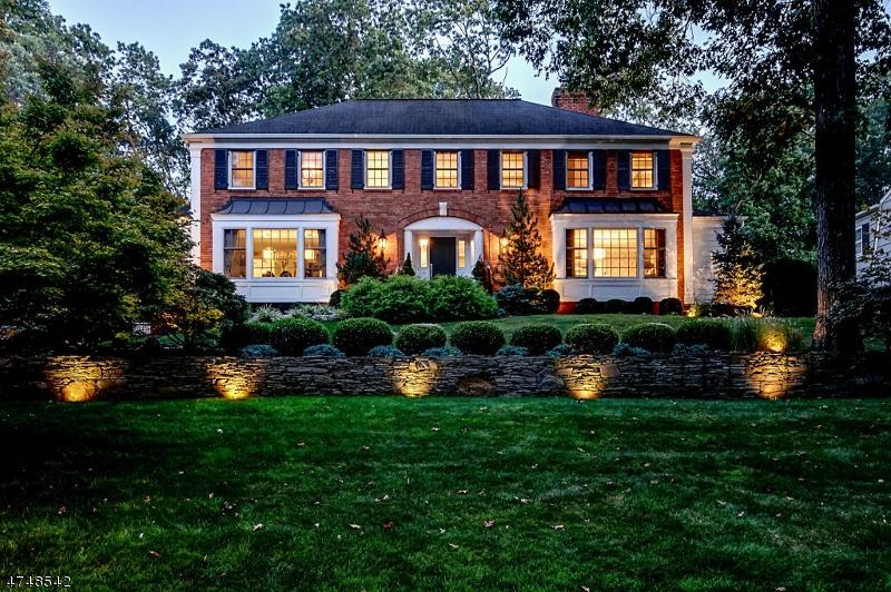 独户住宅 为 销售 在 114 Sunset Drive 查塔姆, 新泽西州 07928 美国