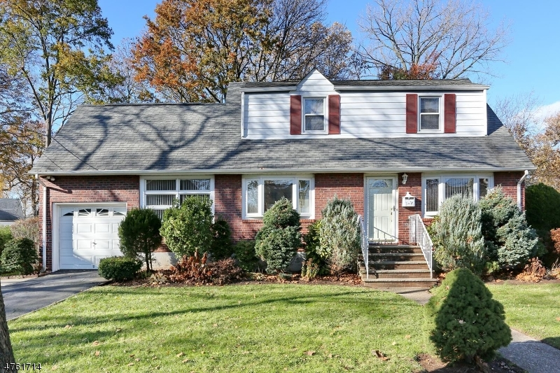 Single Family Home for Sale at 189 Munn Avenue Teaneck, New Jersey 07666 United States