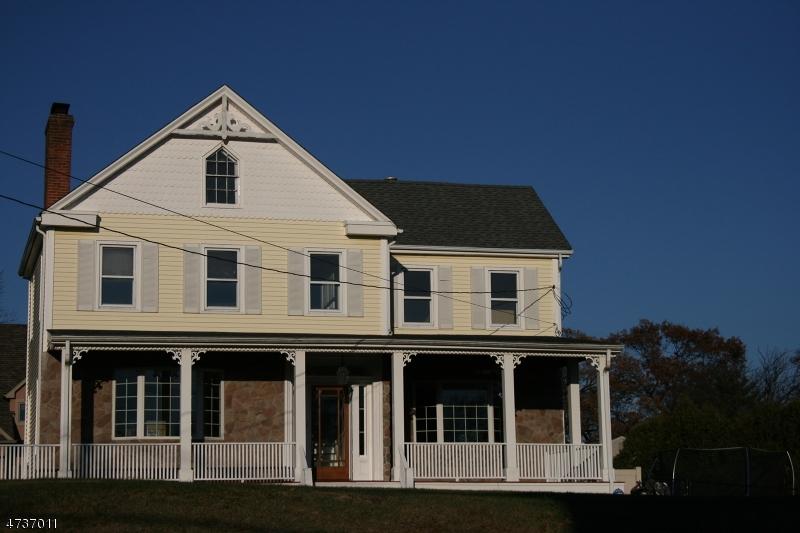 Casa Unifamiliar por un Venta en 1019 W Lake Avenue Rahway, Nueva Jersey 07065 Estados Unidos