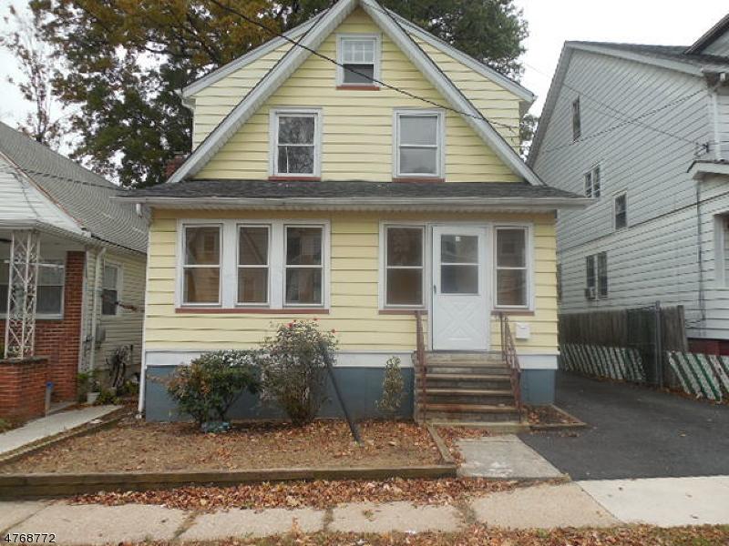 独户住宅 为 销售 在 2094 Melrose Pkwy Union, 新泽西州 07083 美国