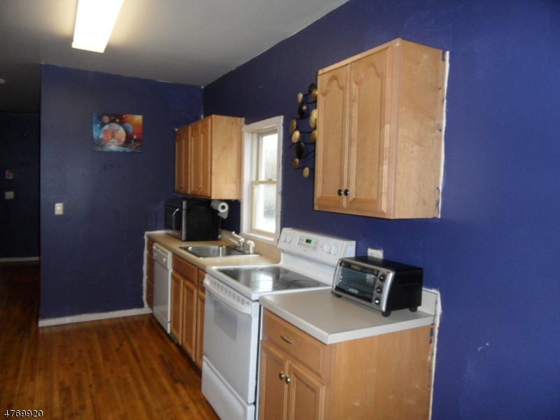 Μονοκατοικία για την Ενοίκιο στο 211 Lakeview Avenue Clifton, New Jersey 07011 United States