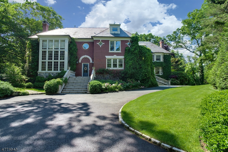 Single Family Home for Sale at 11 Ridge Rd 11 Ridge Rd Summit, New Jersey 07901 United States