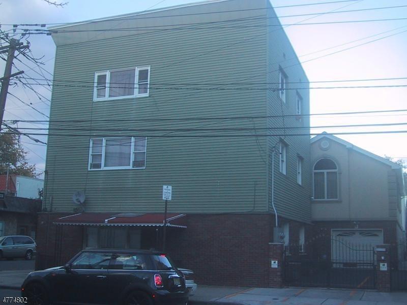 多戶家庭房屋 為 出售 在 62-64 MAGAZINE Street Newark, 新澤西州 07105 美國