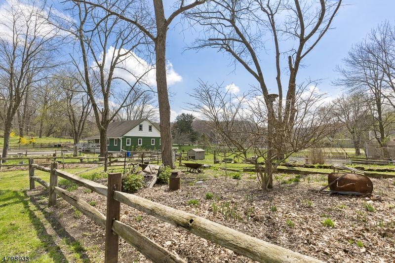 Additional photo for property listing at 4 Hilltop Road  Andover, Nueva Jersey 07860 Estados Unidos