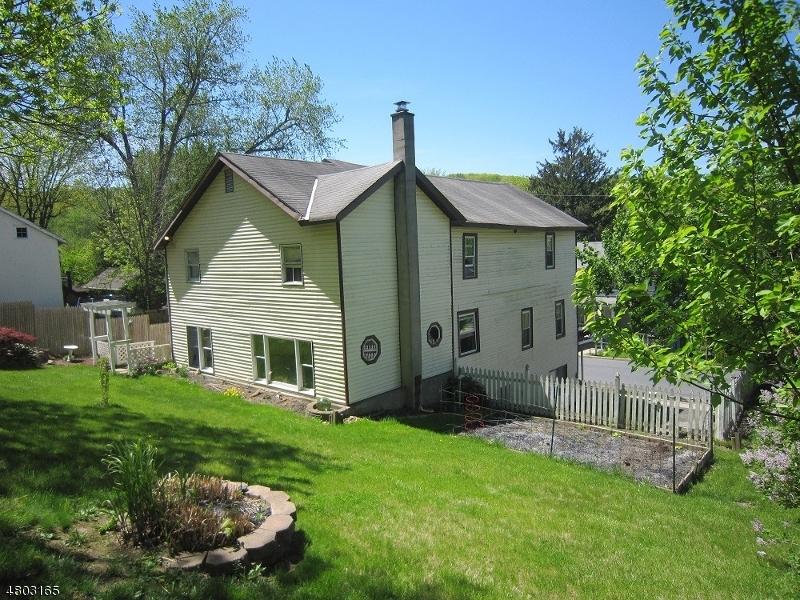 Casa Unifamiliar por un Venta en 113 MAIN Street Glen Gardner, Nueva Jersey 08826 Estados Unidos