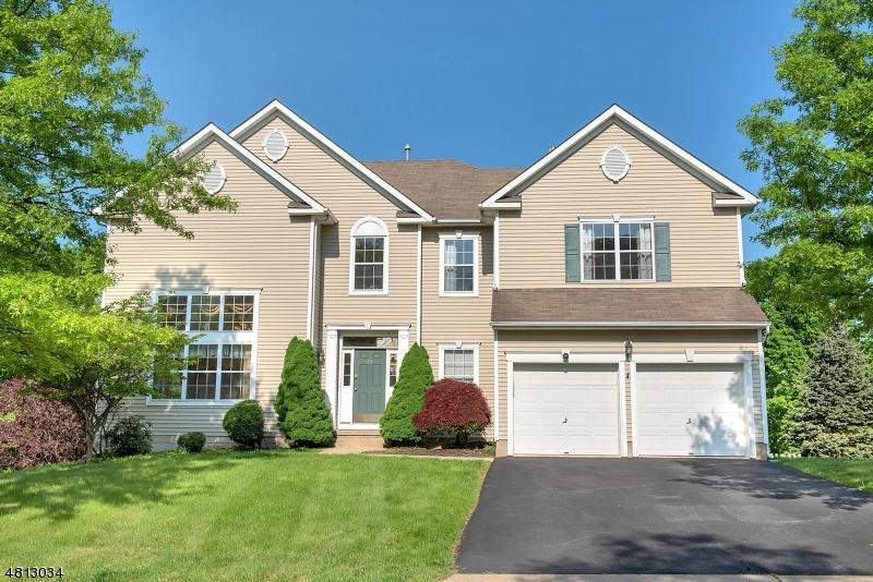 独户住宅 为 销售 在 23 HILL HOLLOW ROAD Jefferson Township, 新泽西州 07849 美国