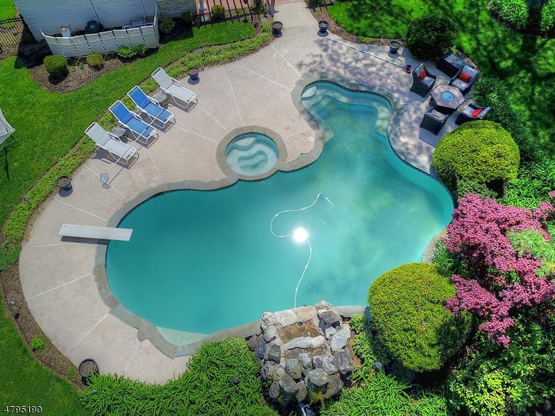 Частный односемейный дом для того Продажа на 5 HATFIELD Road Oakland, Нью-Джерси 07436 Соединенные Штаты