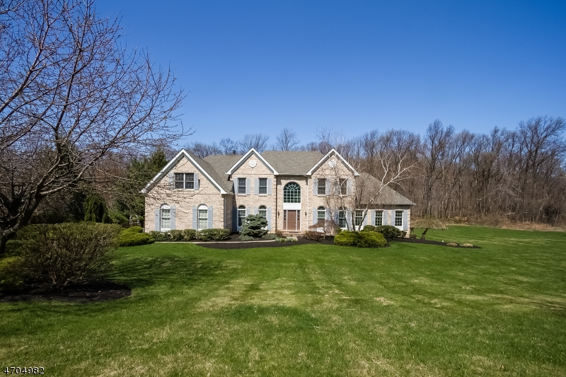 独户住宅 为 销售 在 20 WILLEVER Road 阿斯伯里, 新泽西州 08802 美国
