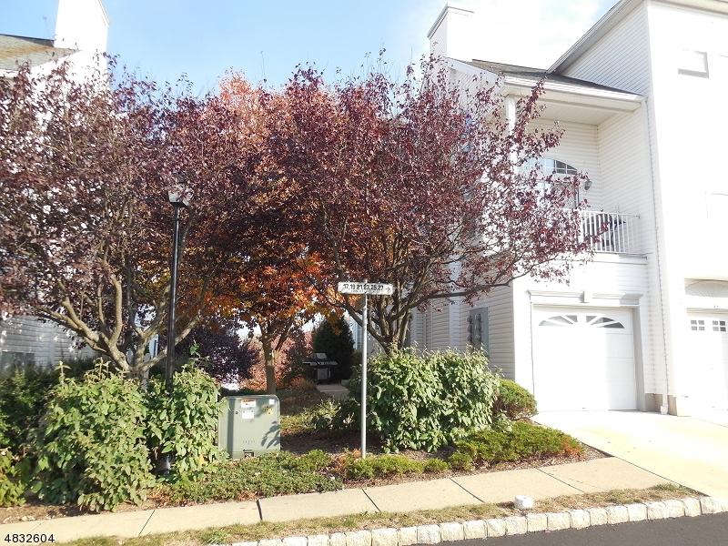 Condominio/ Casa de pueblo por un Alquiler en 11 TIMOTHY Court Morris Township, Nueva Jersey 07960 Estados Unidos