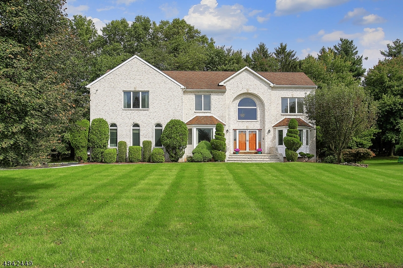 Single Family Home for Sale at 38 WINCHESTER Drive Scotch Plains, New Jersey 07076 United States