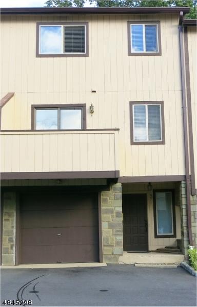 Property pour l Vente à 31 CHELSEA WAY Bridgewater, New Jersey 08807 États-Unis
