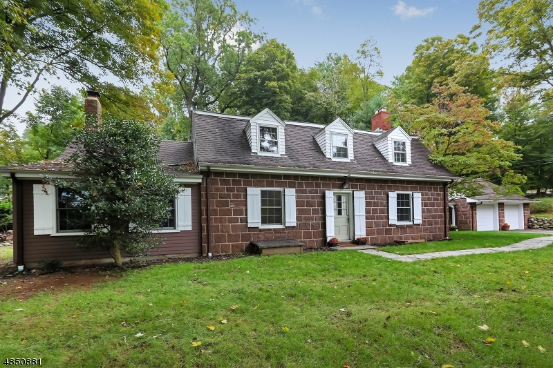 Single Family Home for Rent at 23 LOCUST LN 23 LOCUST LN Saddle River, New Jersey 07458 United States