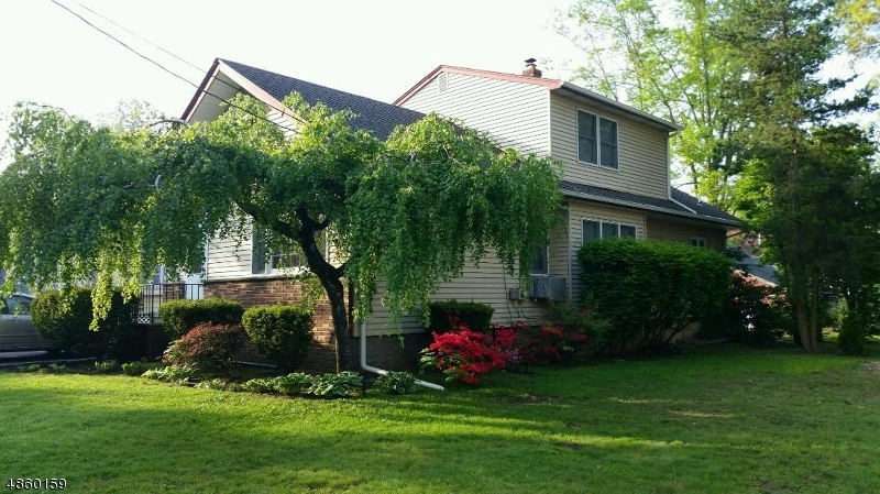 Single Family Home for Sale at 214 HILL Street Midland Park, New Jersey 07432 United States
