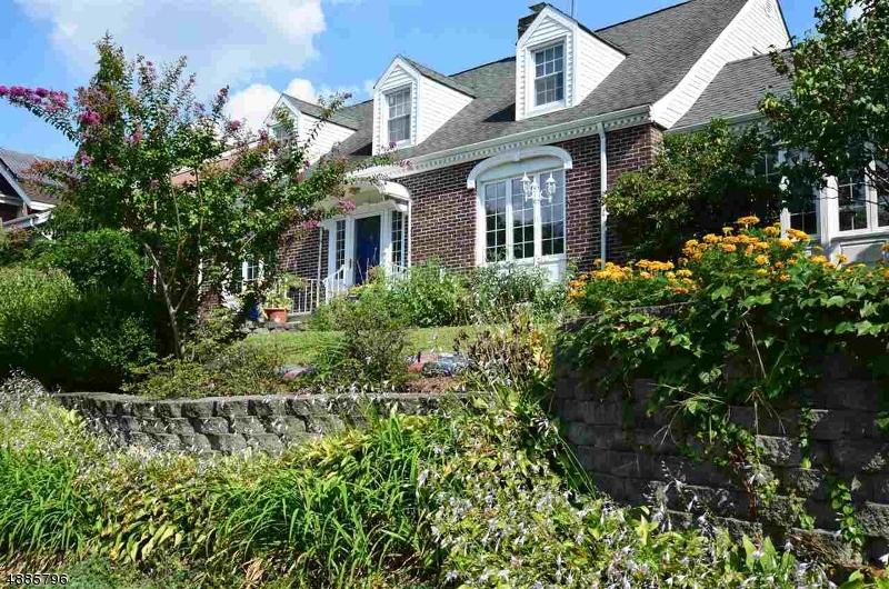 Villa per Vendita alle ore 52 MADISON Avenue Kearny, New Jersey 07032 Stati Uniti