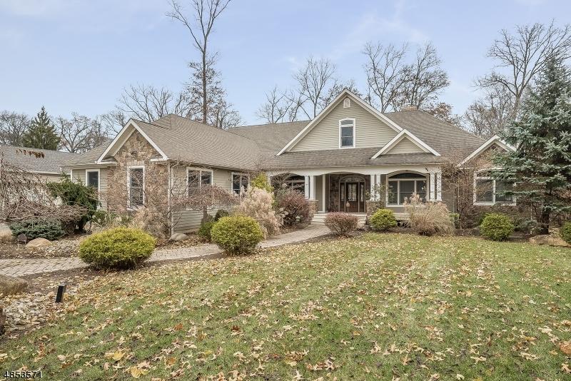 Single Family Homes para Venda às North Haledon, Nova Jersey 07508 Estados Unidos